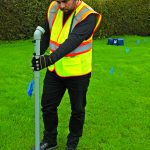 RD500 Plastic Water Pipe Locator Tracing Water Pipe on Grass